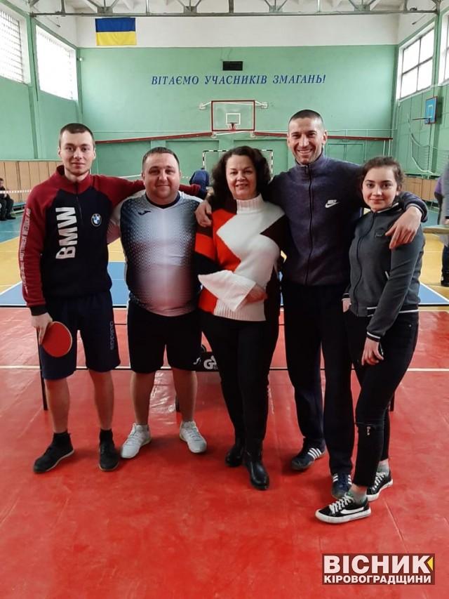 Новгородківська команда третя на змаганнях з настільного тенісу у Кропивницькому