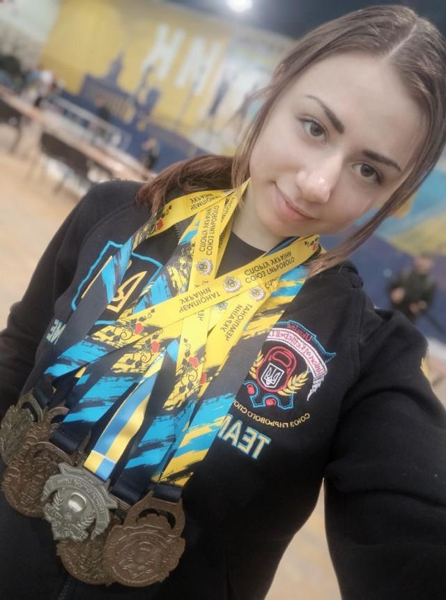 Анжеліка Намєснік — володарка шістьох золотих медалей