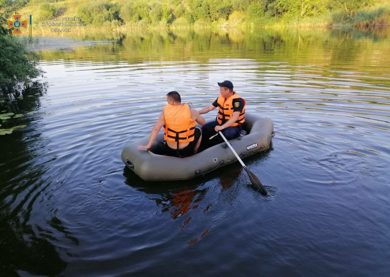 У Голованівському районі рятувальники дістали з річки загиблого 54-річного чоловіка